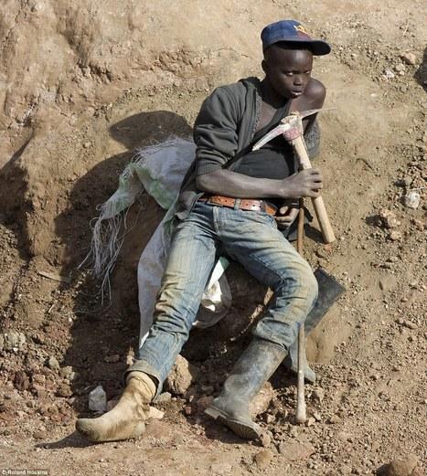 Η σκοτεινή αλήθεια πίσω από το iPhone: Τι συμβαίνει στα ορυχεία της Αφρικής; (photos) | ΜΕΤΑ - ΤΕΧΝΟΛΟΓΙΑ | Scoop.it