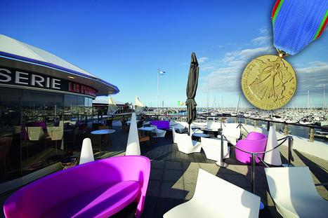 La Médaille du tourisme attribuée à Madame BERTHERIAUX du Restaurant La Passerelle   So' Saint-Quay-Portrieux   Scoop.it