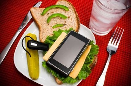 Coordinates and QSR: Adapting Mobile Presence Technology to Benefit Your ... - RestaurantNews.com   ubiquitous and mobile devices   Scoop.it