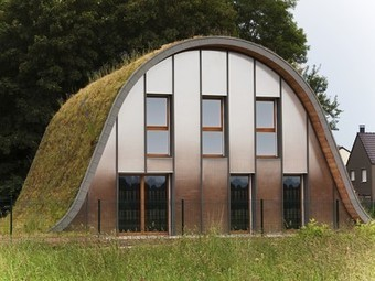 Green roof meets the ground in Wave House | Neo Urbanism | Scoop.it