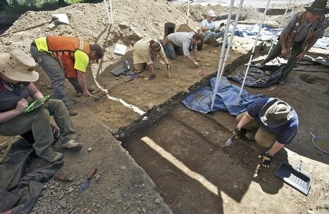 Archaeology students dig Fort Vancouver, uncover Hudson Bay Company beads ... - The Republic | commrecial | Scoop.it