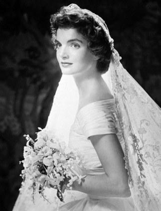 Coudre une Robe de mariée en soie   La revue de presse des Cortèges de Garance   Scoop.it