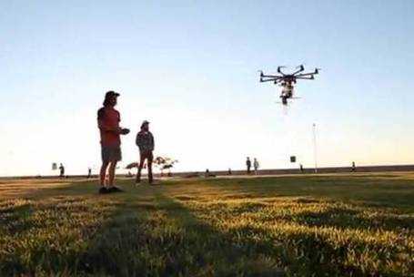 Beer-Delivering Drone Designed For Music Festivals [Video] - PSFK | The Robot Times | Scoop.it