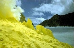 Ijen Crater Tour from Bali for Ijen Volcano Bluefire Blue Flame Tour | Bromo Tour Package | Scoop.it