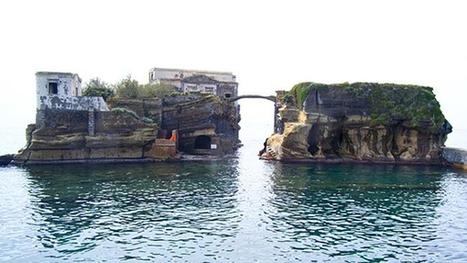 10 Weirdest Islands (islands, weird, sea) - ODDEE | enjoy yourself | Scoop.it