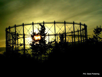 Granton gasometer to go? | Today's Edinburgh News | Scoop.it