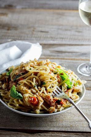 Pasta with roasted tomatoes, bacon & oregano breadcrumbs   Ricette e preparazioni spiegate passo passo   Scoop.it