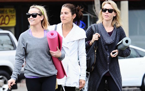 A-List BFF's Reese Witherspoon And Naomi Watts Doing Yoga!!! | Hollywoodneuz | Scoop.it