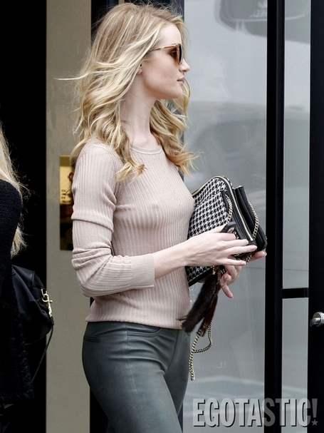 Celebphotobox: Rosie Huntington-Whiteley Nipple in Tight Leather Jeans in Beverly Hills | Celeb Photo Box | Scoop.it
