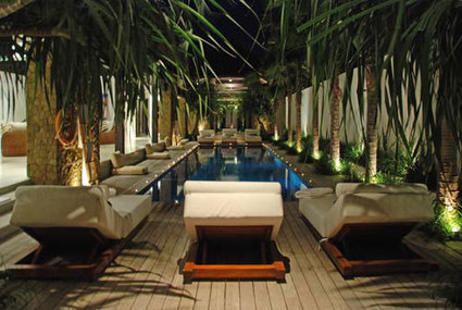 Una splendida Villa di Lusso in Affitto a Bali   Leather tiles Lapèlle design   Scoop.it