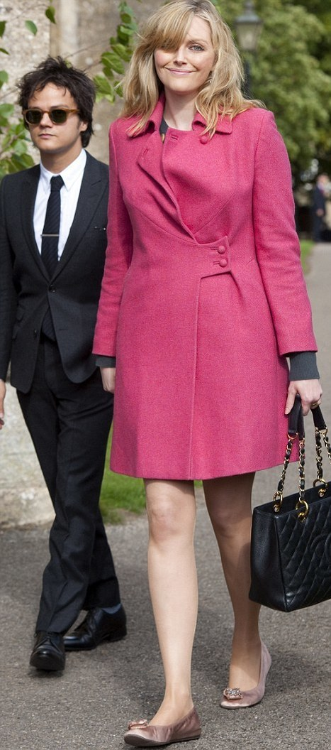 Pippa's in the purple, Sophie's in the pink! Miss Dahl towers over Jamie on day of society weddings | Lipstick Whisper | Scoop.it