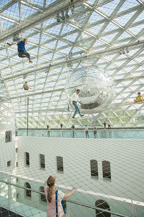 "Tomás Saraceno Launches You into the Sky with His Latest Suspended Installation ""In Orbit"" at K21 Staendehaus 