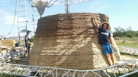 Low-cost 3D-printed shelter being built from clay and straw | 3D Printing and Fabbing | Scoop.it