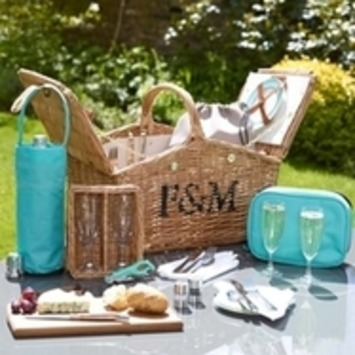 Picnic Hampers from Fortnum & Mason - for very posh picnics! | Posh Picnics | Scoop.it