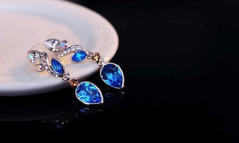 Navy Blue Dendritic Swarovski Crystal Earrings | Women's Earrings | Scoop.it