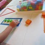 Exploring shapes on the table in preschool | Preschool | Scoop.it