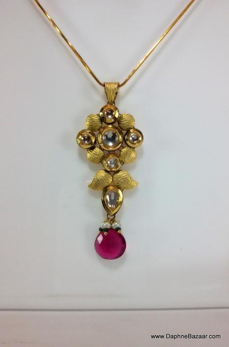 Indian Kundan Jewelry - Kundan Pendant and Earrings with Pink Droplet | Kundan Jewelry | Scoop.it