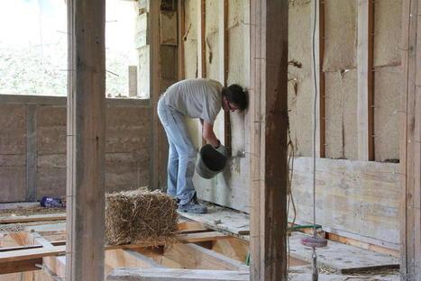 Ballot par ballot, il construit sa maison de paille à Hem (59) | Le flux d'Infogreen.lu | Scoop.it