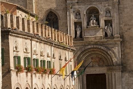 Piazza del Popolo prima della lista fra le 20 piazze più belle del mondo secondo Skyscanner.it | Le Marche un'altra Italia | Scoop.it
