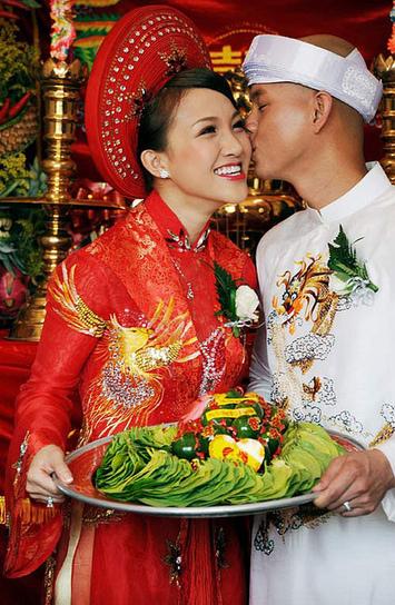 Áo dài cưới màu đỏ | Áo cưới | Scoop.it