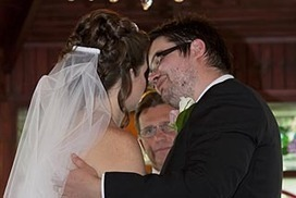 Stoush over wedding smooch has court sequel | News photography and Photojournalism today | Scoop.it