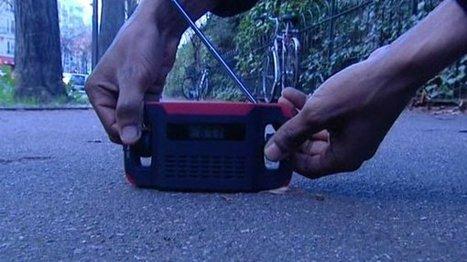 VIDEO. Une radio sous le sapin des sans-abris - France 3 Paris Ile-de-France | Association solidaire, aide alimentaire , aide aux personnes en difficulté | Scoop.it