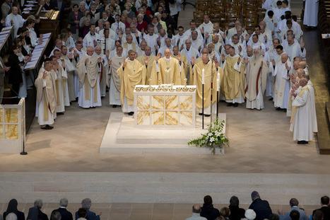 Diocèse de Nantes – 12 mai 2013 – 2500 personnes pour la consécration du nouvel autel de la Cathédrale | Cathédrale saint Pierre et saint Paul de Nantes | Scoop.it