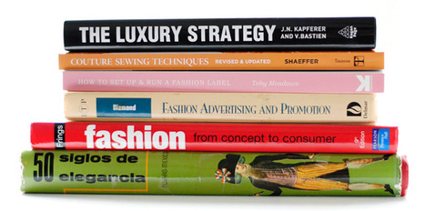 Best Fashion PR Books ever (Vol. I) » Girl with a banjo | Fashion PR and Journalism | Scoop.it