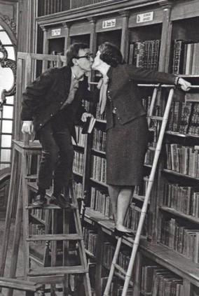 Un hommage appuyé au bibliothécaire, ce héros des temps modernes   Edition en ligne & Diffusion   Scoop.it