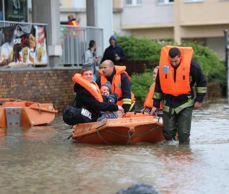 EN IMAGES. Inondations : 2 000 personnes évacuées à Longjumeau   Communauté Paris-Saclay   Scoop.it