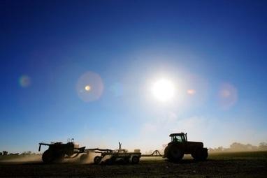 Monsanto-Syngenta mega-merger talks may drive other deals   Grain du Coteau : News ( corn maize ethanol DDG soybean soymeal wheat livestock beef pigs canadian dollar)   Scoop.it