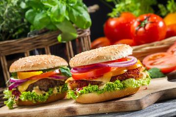 Pizza, kebab ou hamburger, quels vins sur la junk-food ? - Le blog d'iDealwine sur l'actualité du vin   Cuisine   Scoop.it