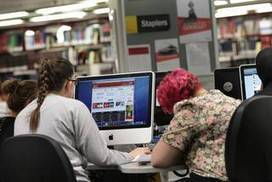 Teacher librarians crucial in info age | School Libraries and the importance of remaining current. | Scoop.it