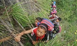 World's scariest school run? Chinese children tackle 800-metre cliff | Soup for thought | Scoop.it