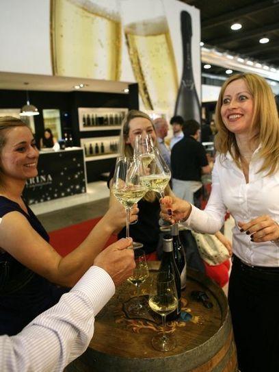 Arriva app con 11.301 bottiglie per scegliere al meglio i vini - La Provincia di Sondrio | Wine in Tuscany | Scoop.it