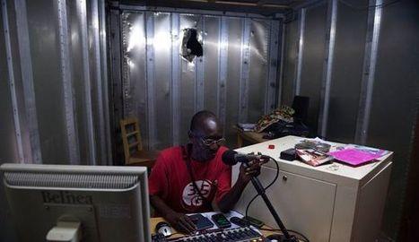 Centrafrique: une radio pour calmer les tensions entre musulmans et chrétiens - LExpress.fr | Centrafrique | Scoop.it