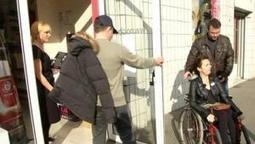 Une journée pour tester l'accessibilité aux fauteuils roulants   handicap   Scoop.it