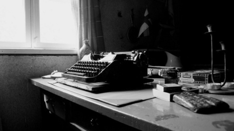 Can an Old-Fashioned Non-Interactive Author Survive in the Social Age? | License to Read | Scoop.it