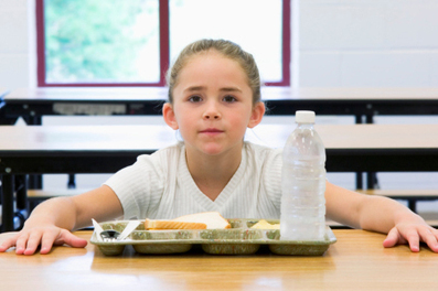 What's For Lunch? More Schools Adding Local Food to Menu and Curriculum : Living Green Magazine | Show Me Your Roots | Scoop.it