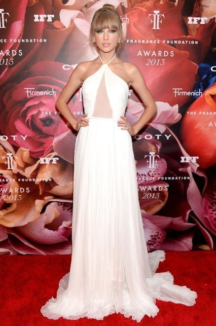 Taylor Swift: 2013 Fragrance Foundation Awards | Red Carpet Fashion | Scoop.it