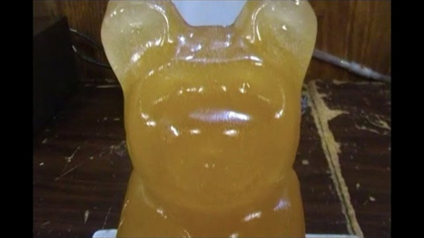 What Happens When You Drop a Hot Ball of Nickel Into a Giant Gummy Bear | EXTRANGE | Scoop.it