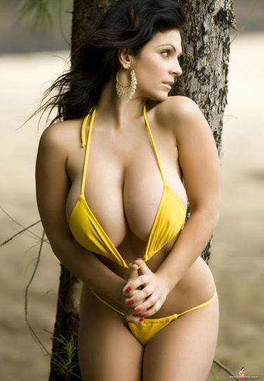 Denise Milani latest Big Cleavages Photos ~ My 24News and Entertainment | Movie hotties | Scoop.it