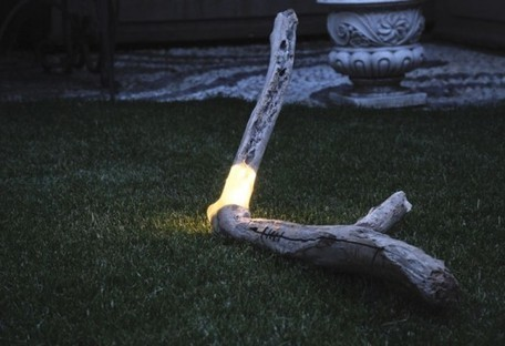 Marco Stefanelli's Salvaged Wood Brecce Lamps are Embedded With LED Lights   DécoBricoJardin   Scoop.it