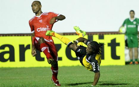 Arouca é chamado de 'macaco' após goleada do Santos: 'Bom nem ouvir' | Futebois | Scoop.it