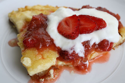 Finnish Pancakes with Strawberry Rhubarb Sauce | Rakkaudesta ruokaan. The love of food. | Scoop.it