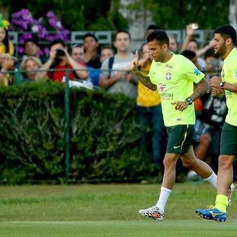 Com assédio recorde, titulares da Seleção fazem treino leve | Futebol :) | Scoop.it