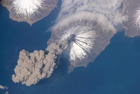 Alaskan Volcano Eruption On Saturday Forces Aviation Authorities To Divert ... - RedOrbit | Weather Disasters | Scoop.it