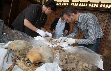 Cathédrale d'Angoulême: les scientifiques vont faire parler les os des aïeux de François Ier [+vidéo] - CharenteLibre | GenealoNet | Scoop.it