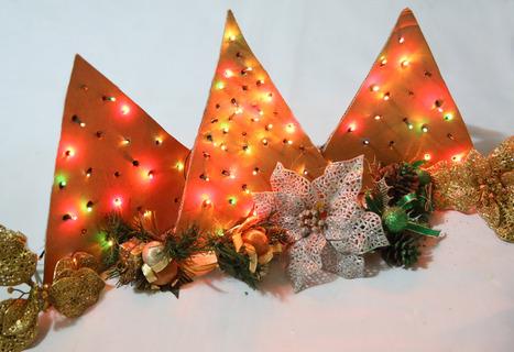 How to Create a Light Up Cardboard Christmas Tree | News we like | Scoop.it