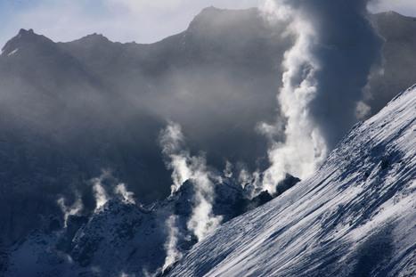 Magma Beneath Mount St. Helen Is Definitely Rising   Managing Natural hazards   Scoop.it